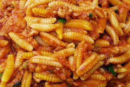 Cucina sarda e Napoli-Juve al Menhir